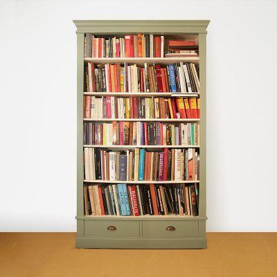 Boekenkast op maat in twee kleuren