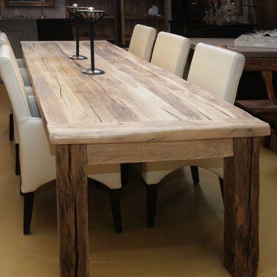 Oud eiken houten grove eettafel