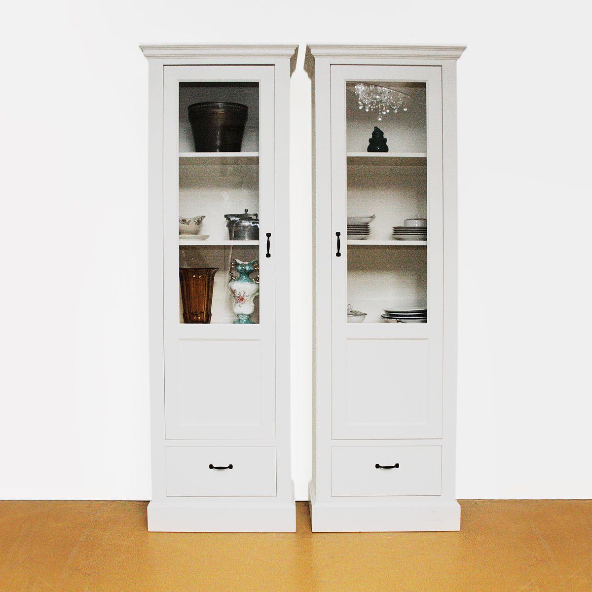 Vitrinekast op maat met 1 deur en 1 lade