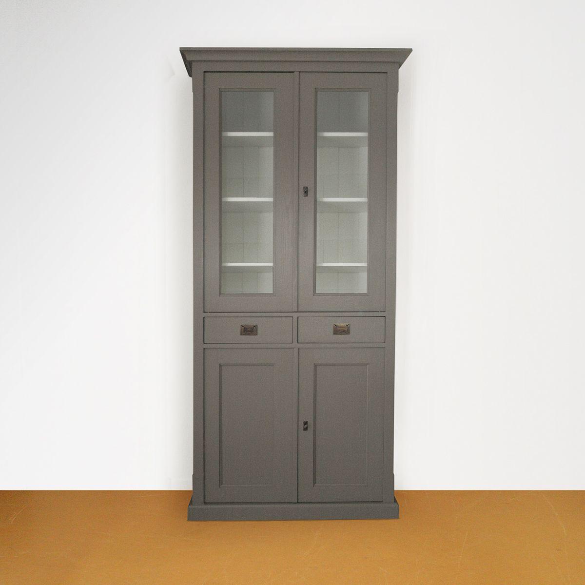 Vitrinekast op maat vier deurs