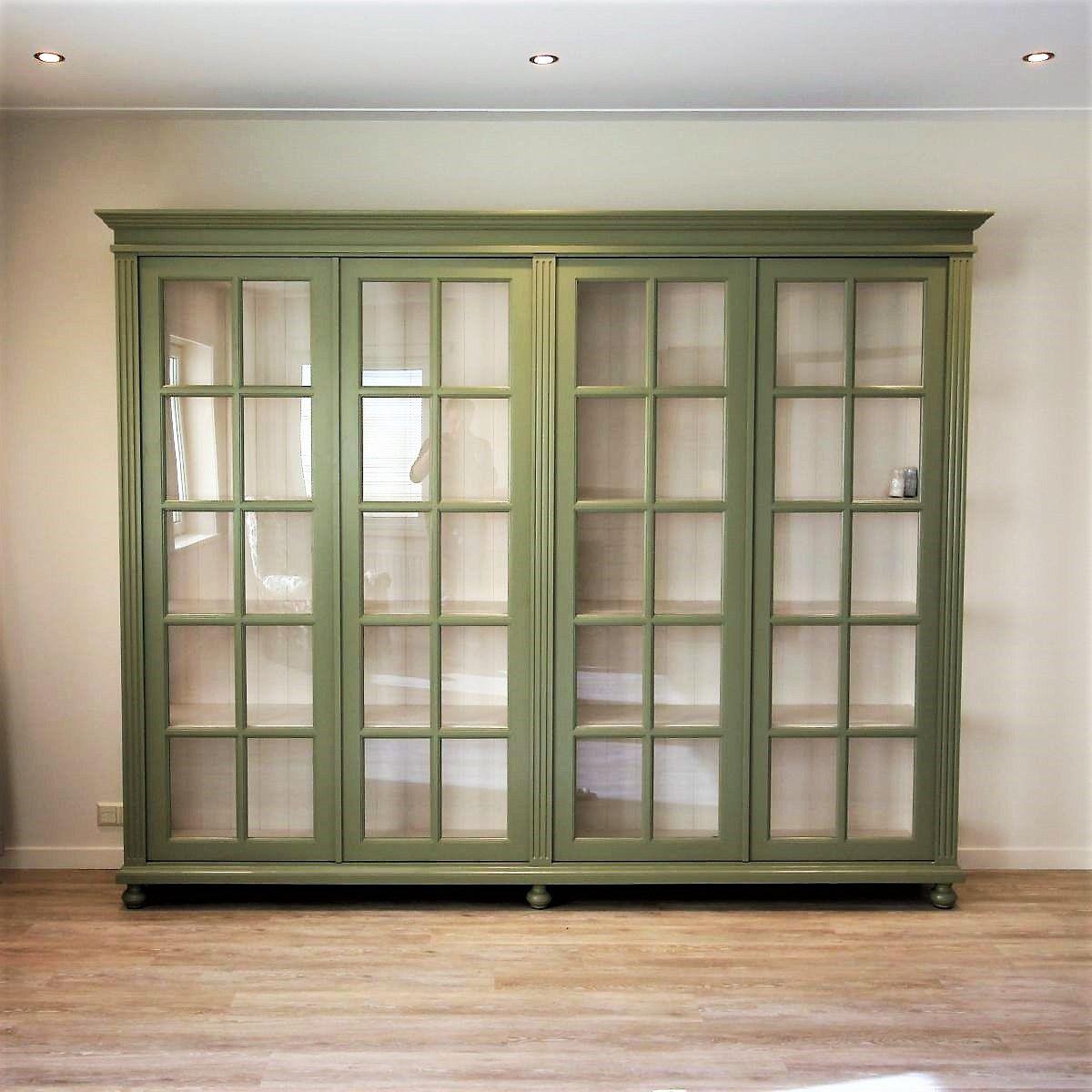 Vitrinekast 4 deurs olijf groen